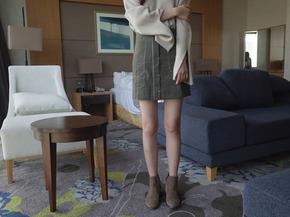 square mini skirt : khaki