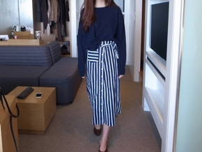stripe wrap skirt : navy 재입고