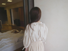 string blouse : beige