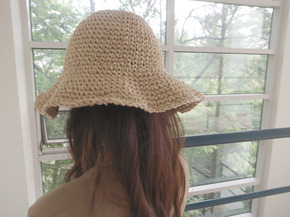 straw hat : light beige