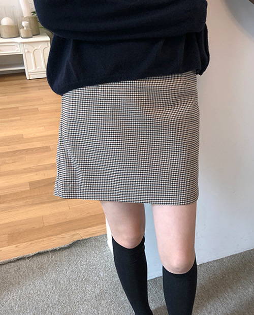 any check skirt : beige